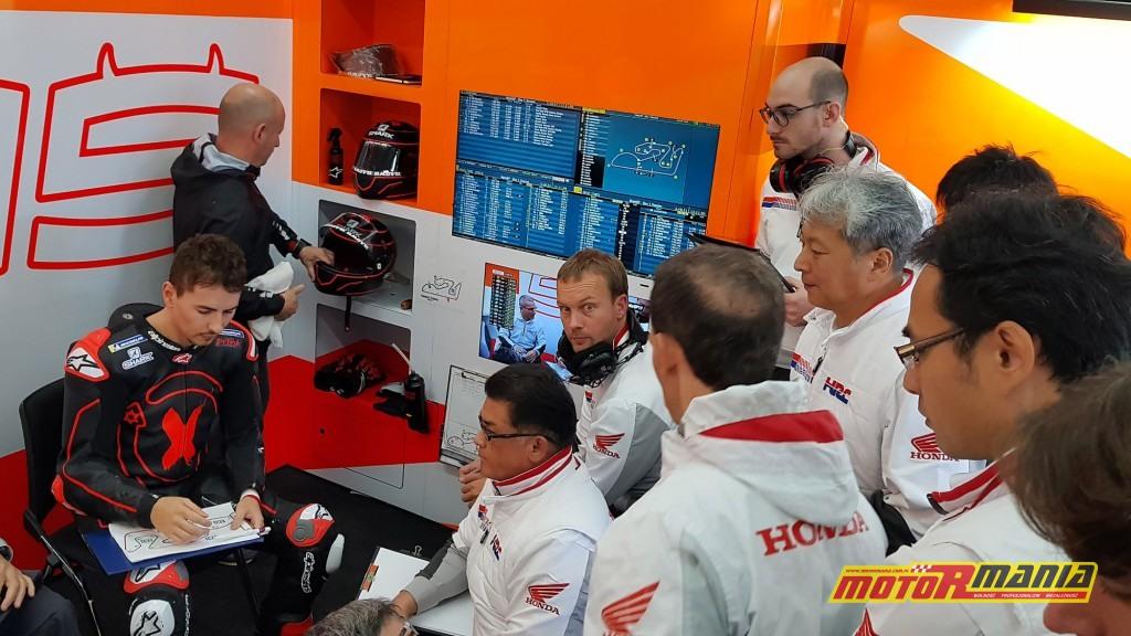 Lorenzo podczas pierwszych testów z Repsol Hondą, listopad 2018, Walencja - foto: Repsol