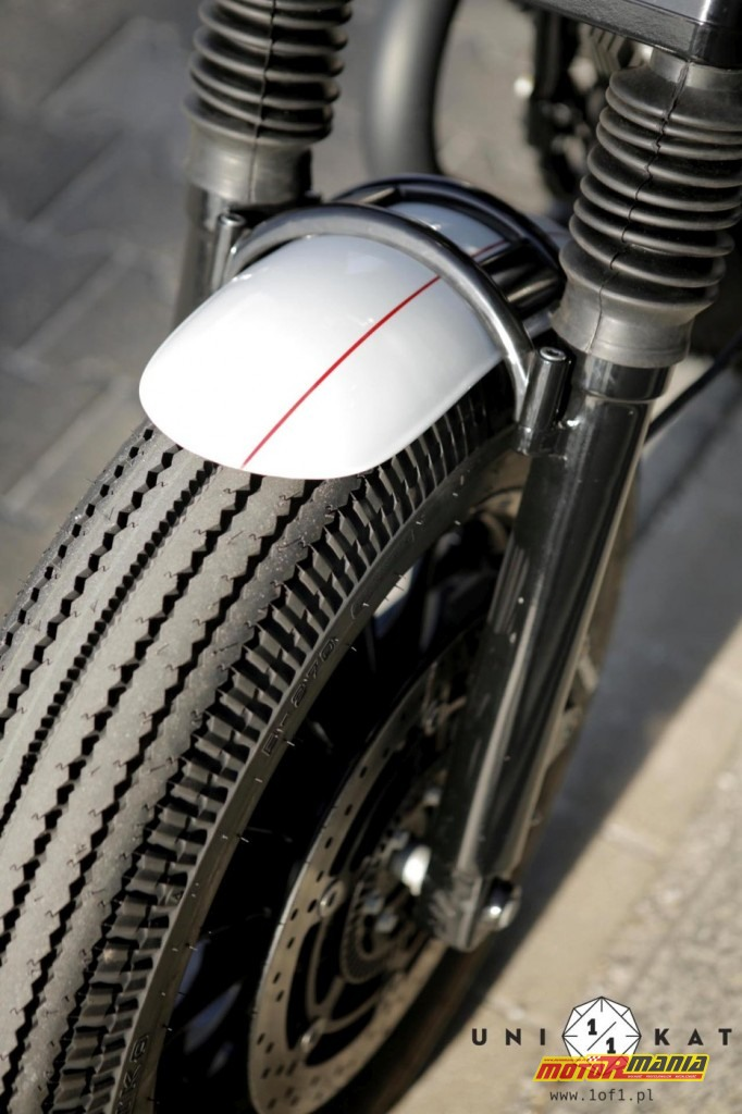 Moto Guzzi V9 Bobber - custom Unikat Motorworks (10)