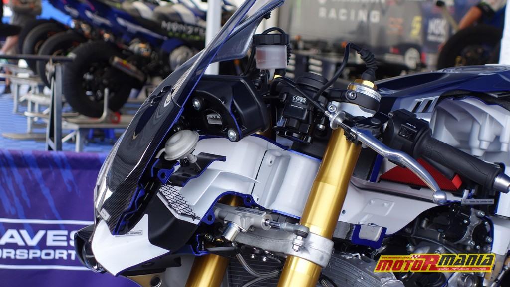 Yamaha R1 przecieta na pol (5)