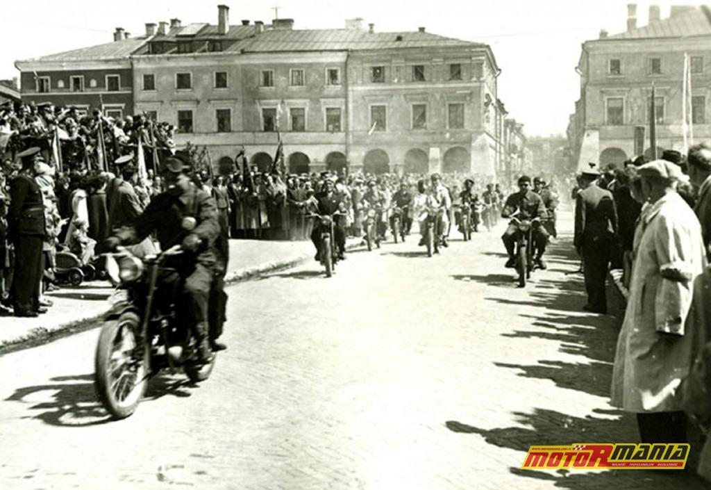 Motocykle na pochodzie 1 maja w Zamościu
