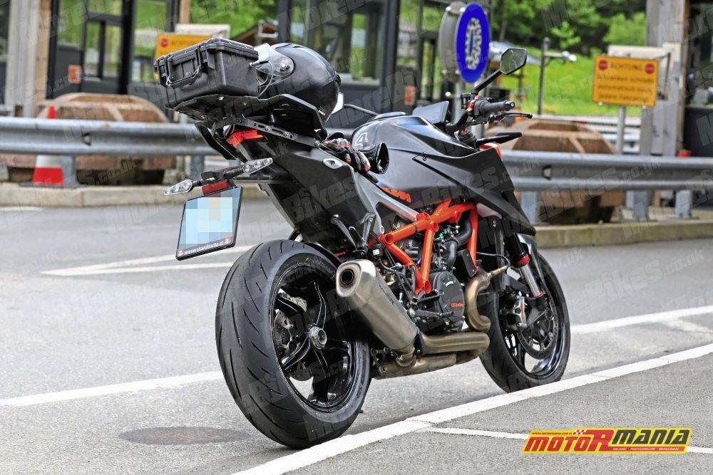 KTM 1290 super duke r 2020 zdjecia szpiegowskie (3)