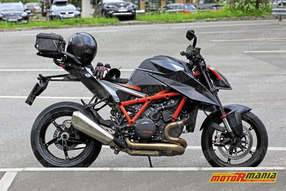 KTM 1290 super duke r 2020 zdjecia szpiegowskie (4)