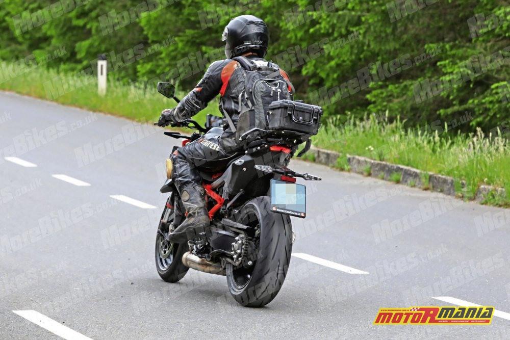KTM 1290 super duke r 2020 zdjecia szpiegowskie (7)