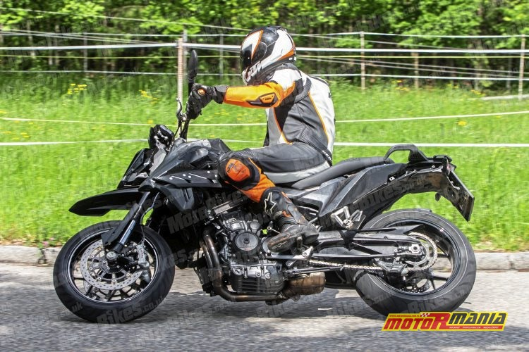 KTM 790 SMC SMT spy shot (4)