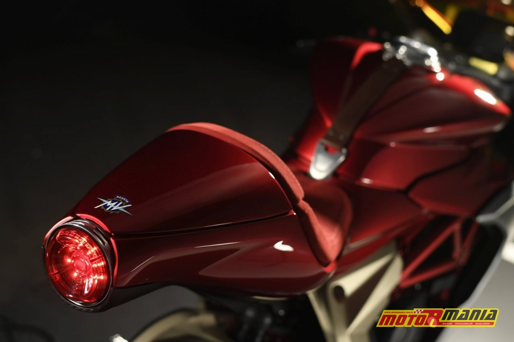 MV Agusta SuperVeloce 800 Serie Oro (8)