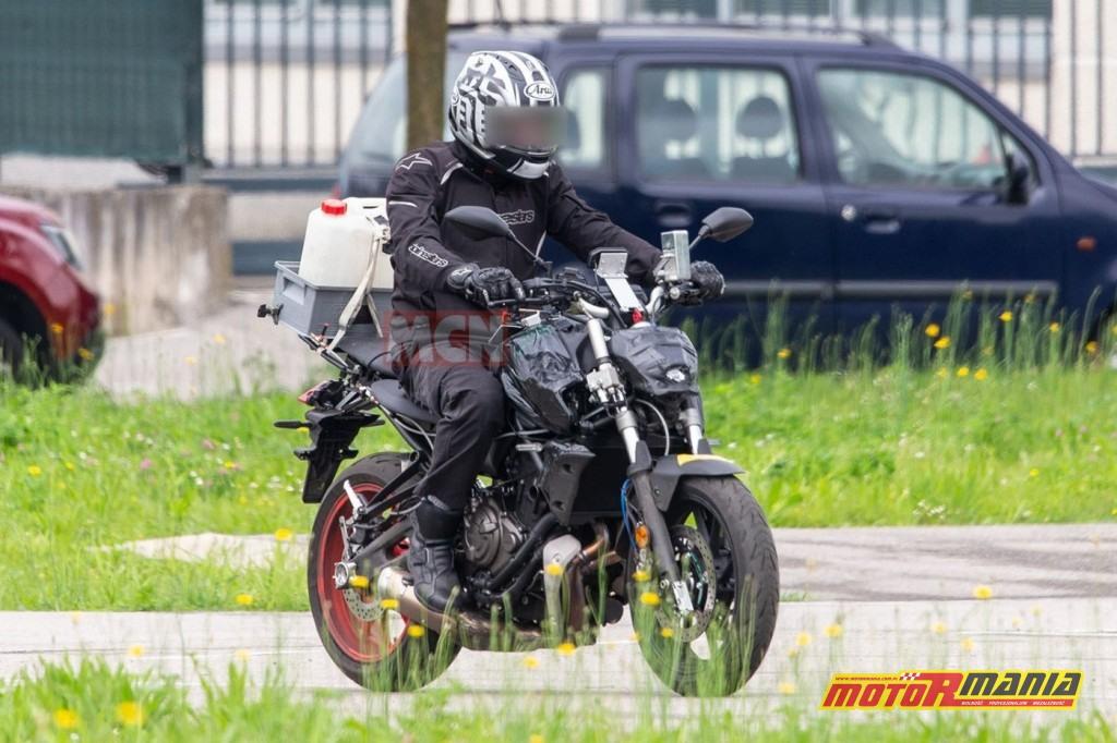 Yamaha MT-07 na 2021 - zdjecia szpiegowskie (2)