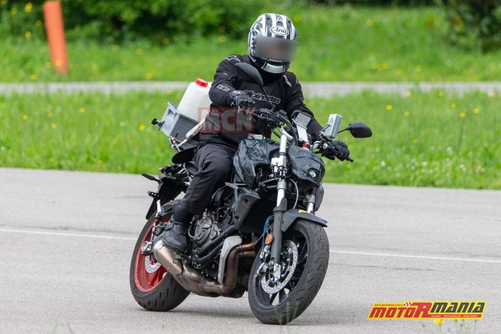 Yamaha MT-07 na 2021 - zdjecia szpiegowskie (5)