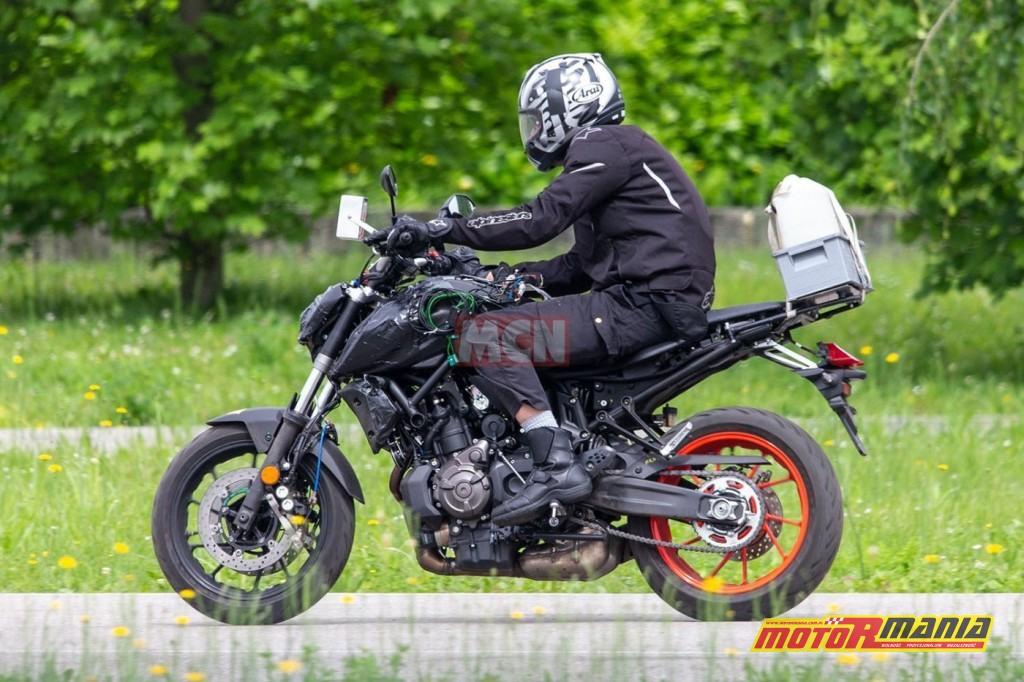 Yamaha MT-07 na 2021 - zdjecia szpiegowskie (7)