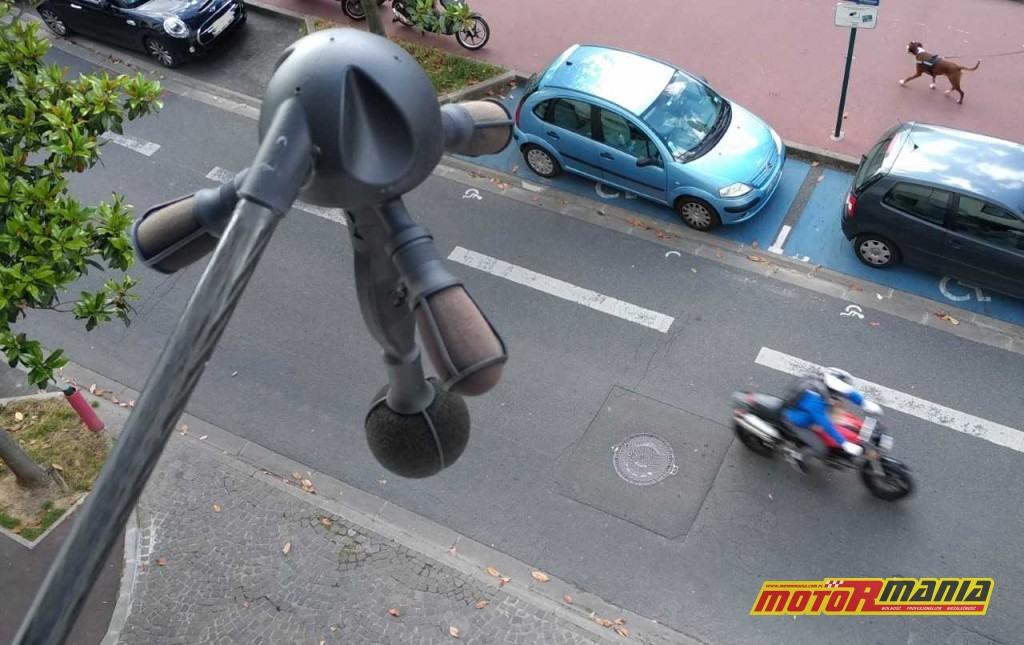 Meduza słucha motocyklisty