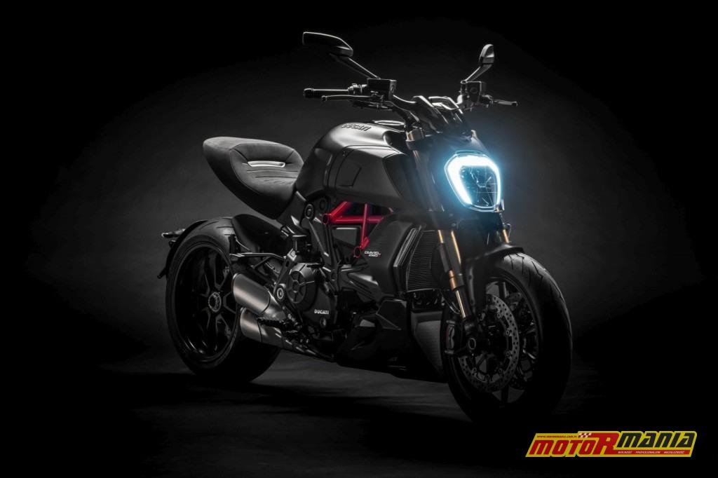 Ducati Diavel 1260 S z roku 2019 ze światłem LED do jazdy dziennej (DRL).