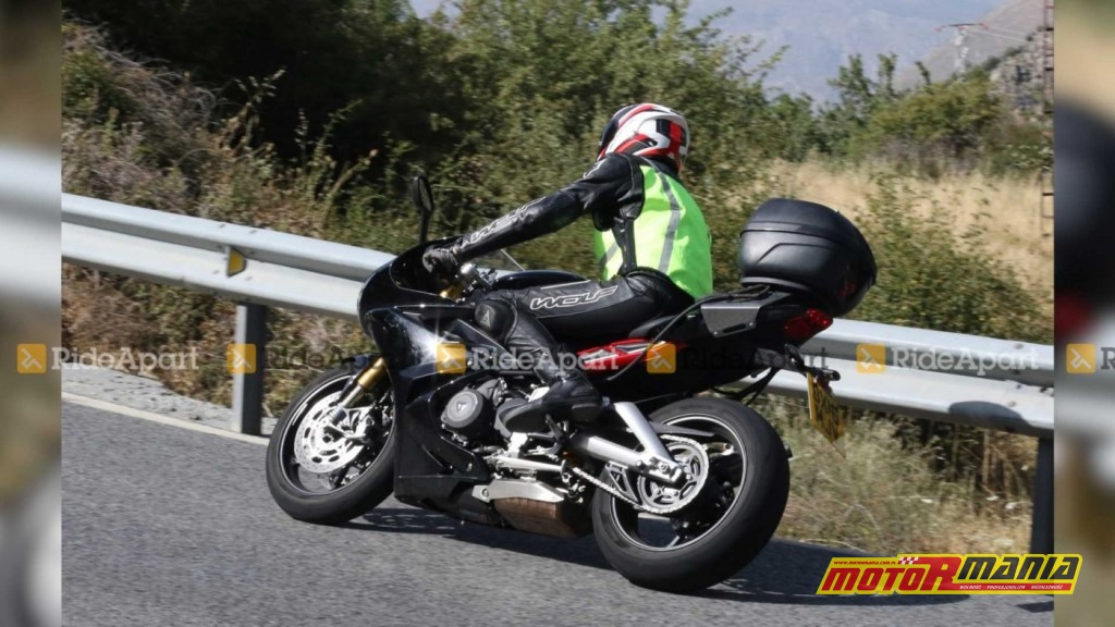 Triumph Daytona 765 2020 spy shot (3)
