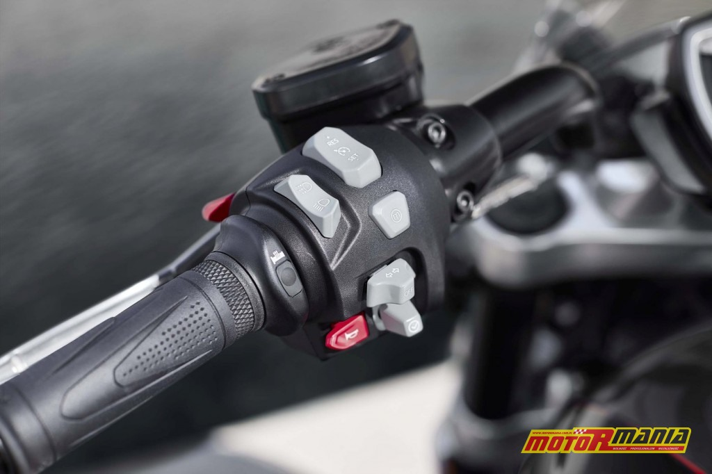 Triumph Rocket 3 GT 2020 (15)