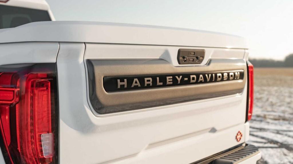 2020-harley-davidson6-gmc-sierra