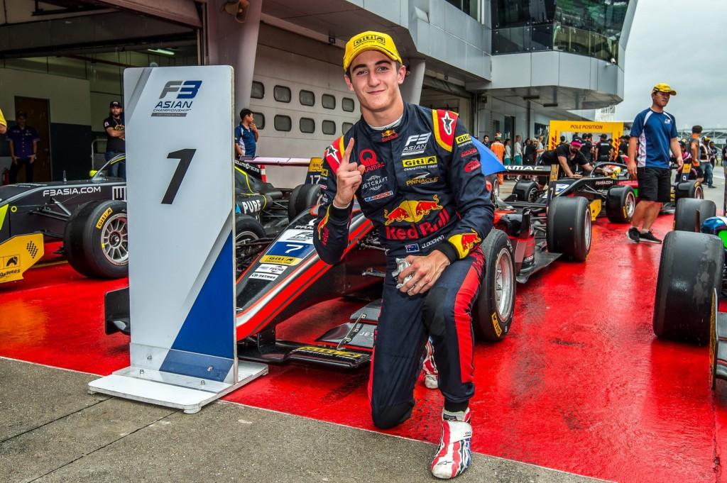 W grudniu Jack wygrał wyścig azjatyckiej Formuły 3 na torze Sepang