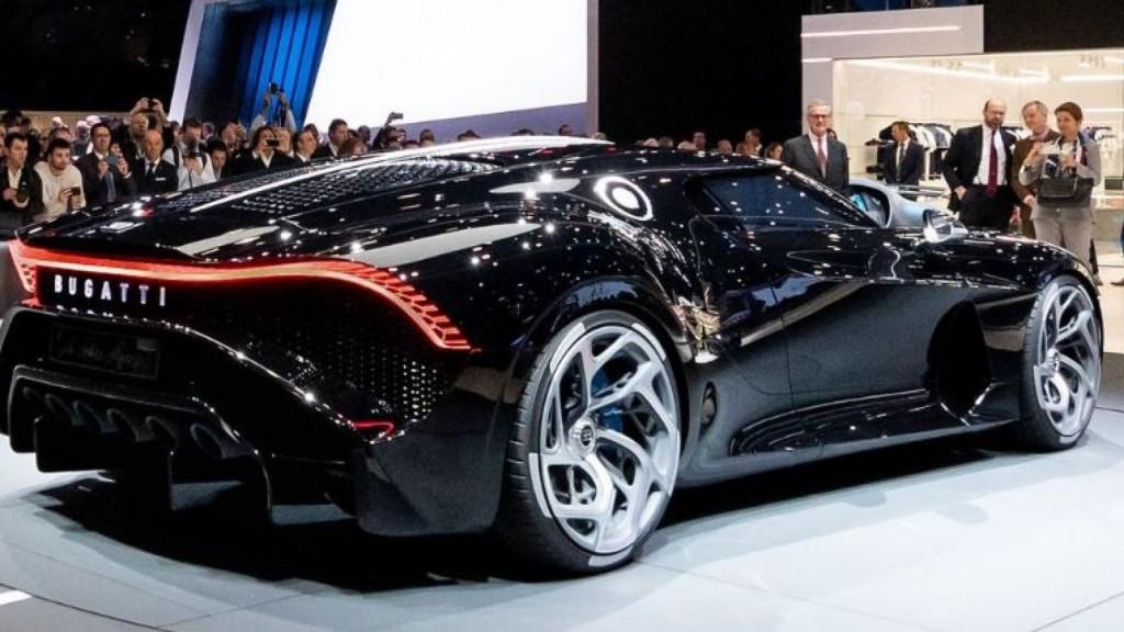 skynews-voiture-noire-car-expensive_4599133