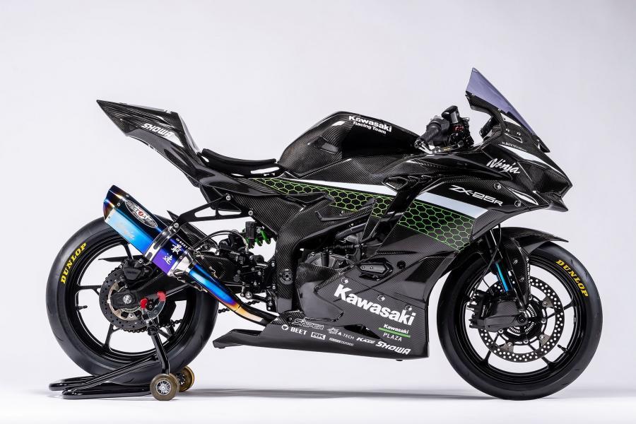 Kawasaki ZX25-R Race edition 02